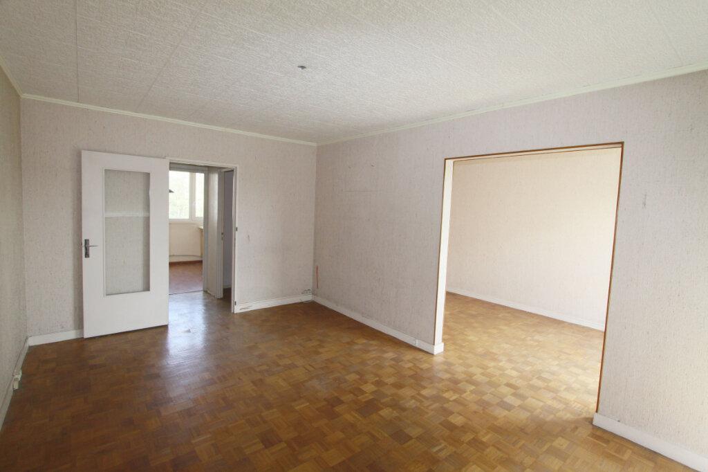 Appartement à vendre 4 82.64m2 à Les Mureaux vignette-1