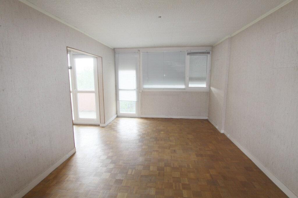 Appartement à vendre 4 82.64m2 à Les Mureaux vignette-2
