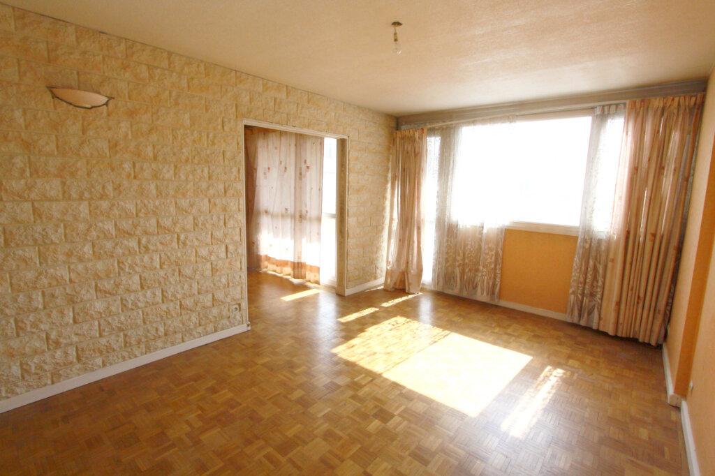 Appartement à vendre 5 95.29m2 à Les Mureaux vignette-1