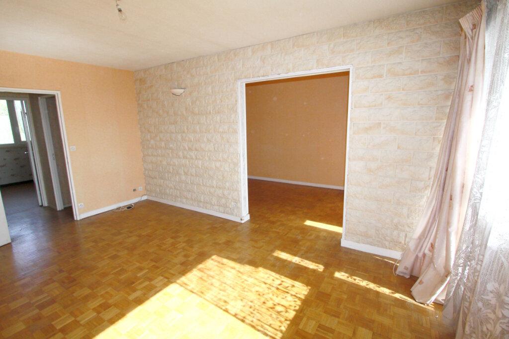 Appartement à vendre 5 95.29m2 à Les Mureaux vignette-3