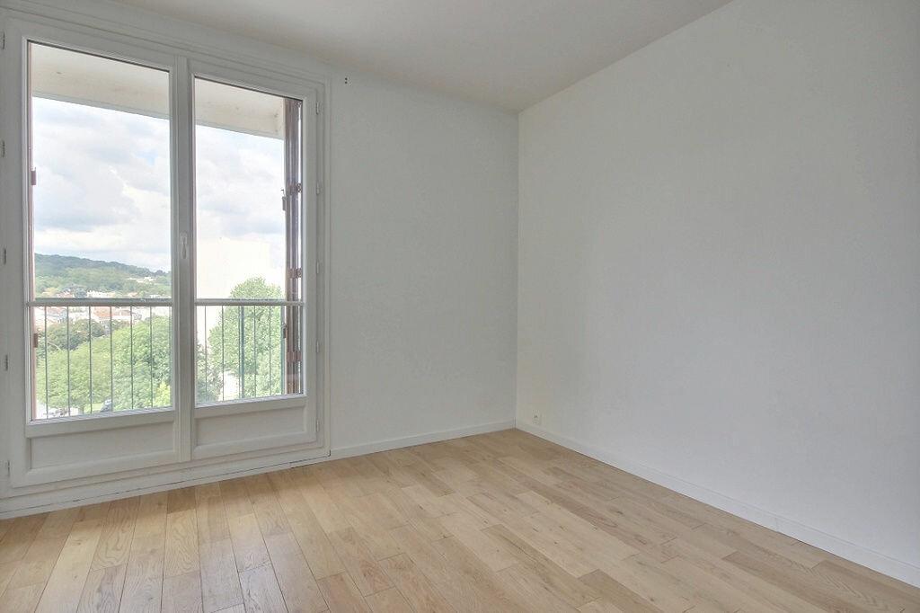 Appartement à louer 4 79.68m2 à Chaville vignette-1