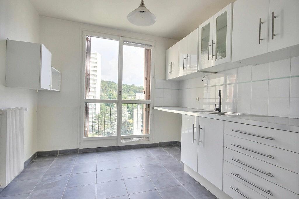 Appartement à louer 4 79.68m2 à Chaville vignette-3