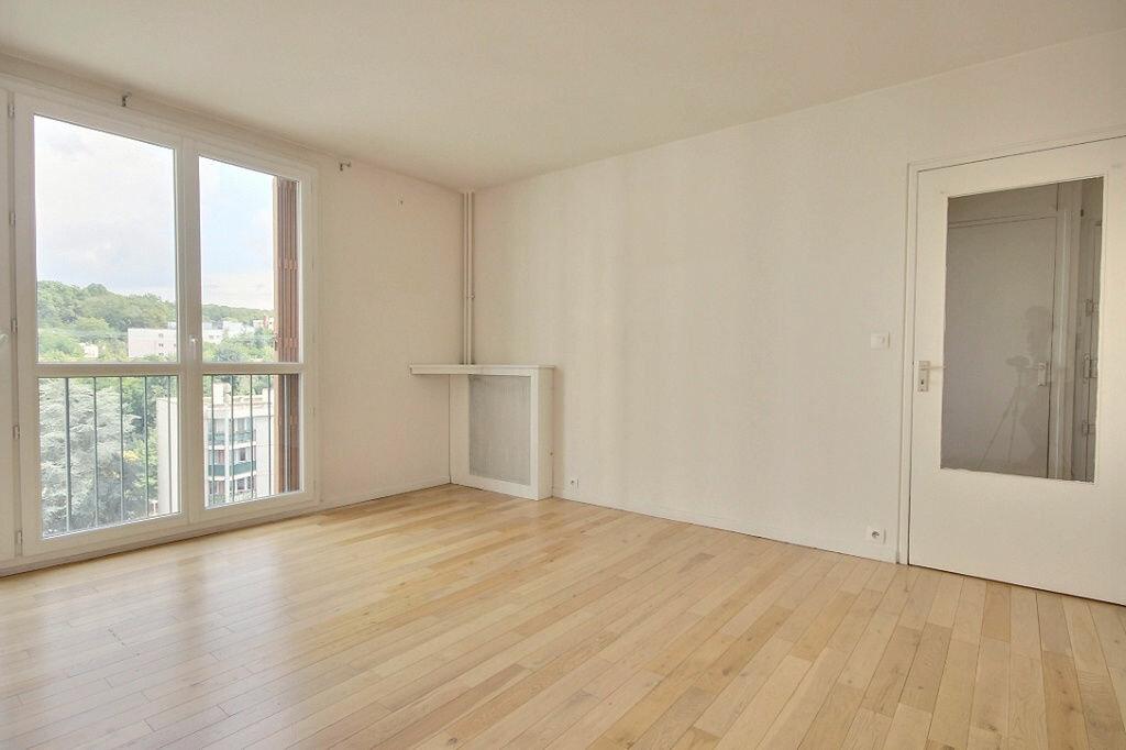 Appartement à louer 4 79.68m2 à Chaville vignette-4