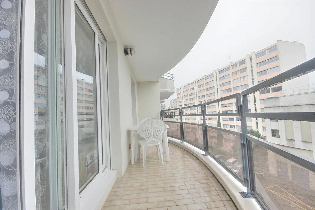 Appartement à louer 1 41.23m2 à Chaville vignette-2