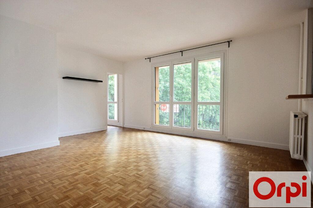 Appartement à louer 4 82.12m2 à Chaville vignette-1