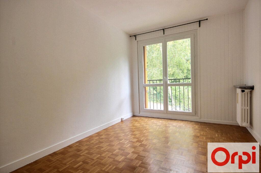 Appartement à louer 4 82.12m2 à Chaville vignette-4