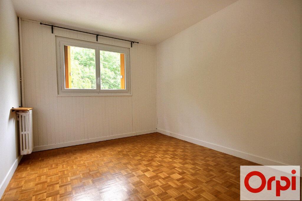 Appartement à louer 4 82.12m2 à Chaville vignette-5