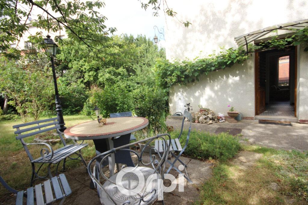 Maison à vendre 7 143m2 à Chaville vignette-4