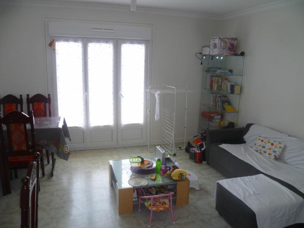 Appartement à vendre 4 72.7m2 à Épernay vignette-1