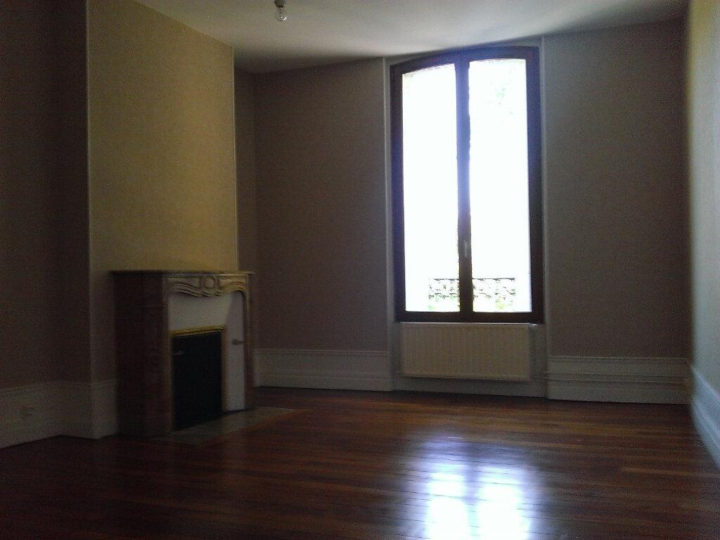 Appartement à louer 3 92m2 à Épernay vignette-3