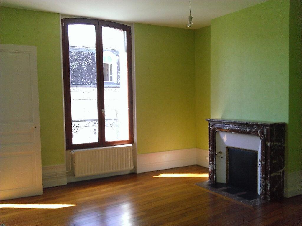 Appartement à louer 3 92m2 à Épernay vignette-4
