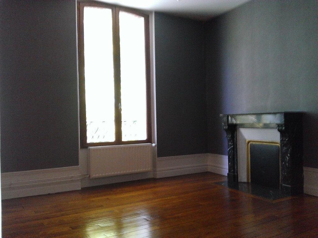 Appartement à louer 3 92m2 à Épernay vignette-5