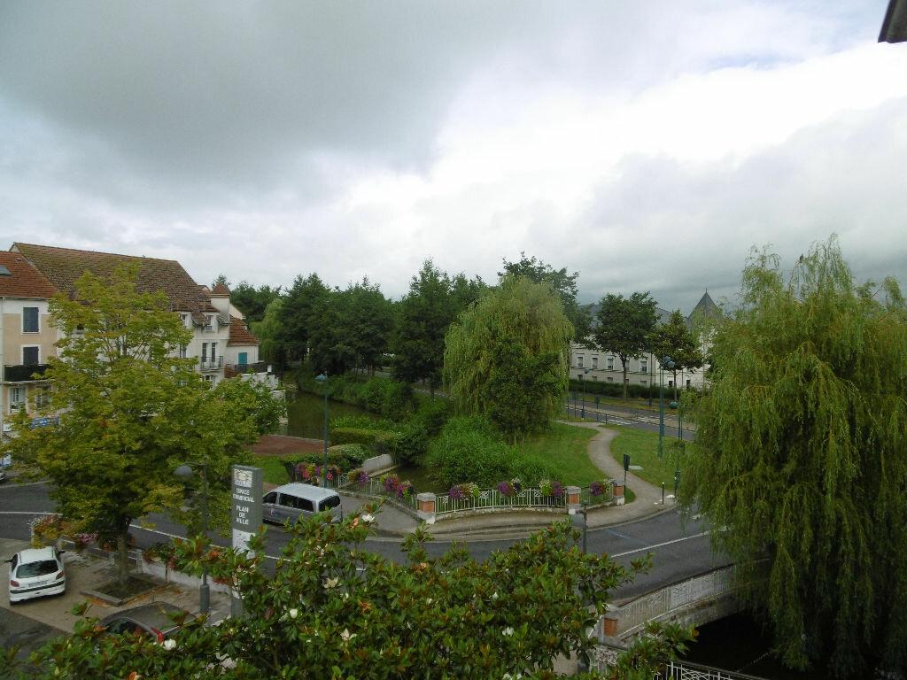 Appartement à louer 3 60m2 à Bailly-Romainvilliers vignette-3