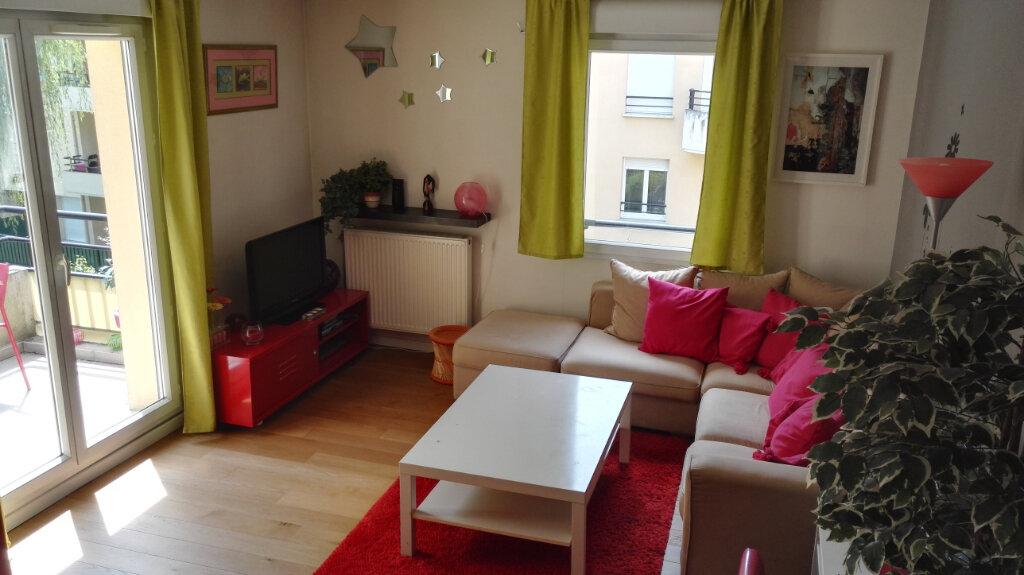 Appartement à louer 3 54m2 à Serris vignette-3