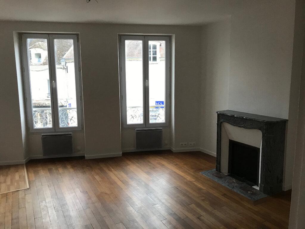 Appartement à louer 3 70m2 à Bouleurs vignette-2