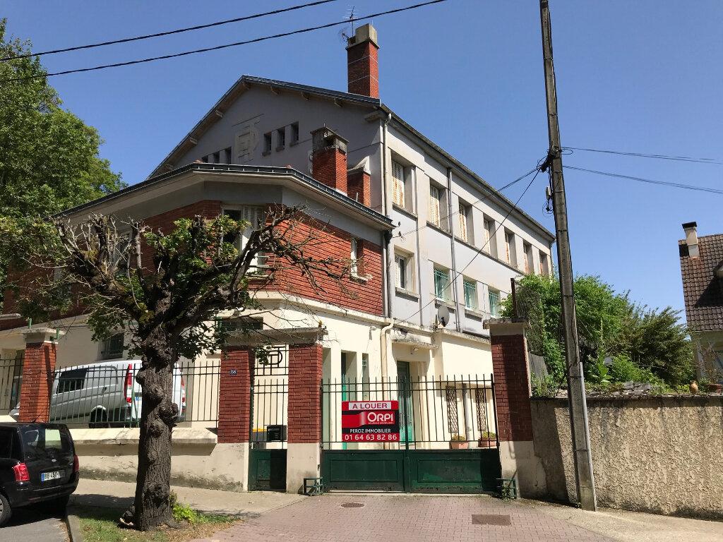 Appartement à louer 1 25m2 à La Ferté-sous-Jouarre vignette-6