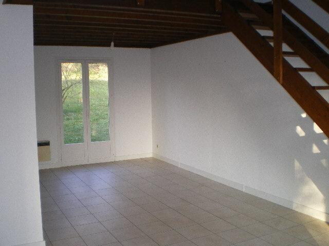 Maison à louer 4 83m2 à Crécy-la-Chapelle vignette-2
