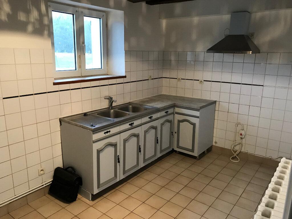 Appartement à louer 3 77.65m2 à La Haute-Maison vignette-2