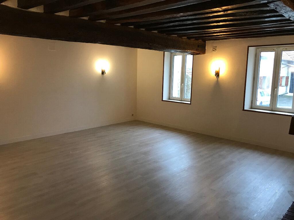 Appartement à louer 3 77.65m2 à La Haute-Maison vignette-3