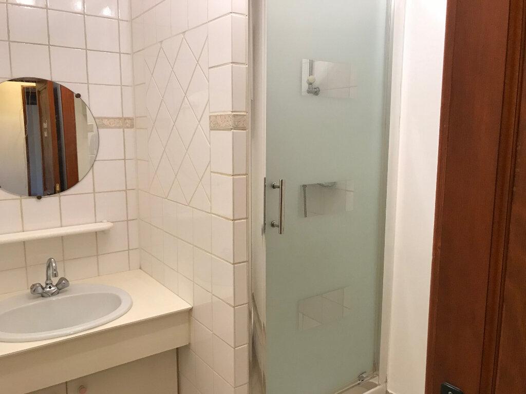 Appartement à louer 3 77.65m2 à La Haute-Maison vignette-7