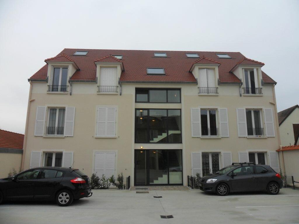Appartement à louer 3 44.08m2 à Fontenay-Trésigny vignette-1