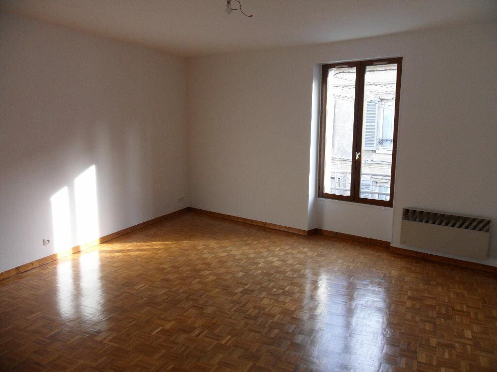 Appartement à louer 2 44.33m2 à Crécy-la-Chapelle vignette-1