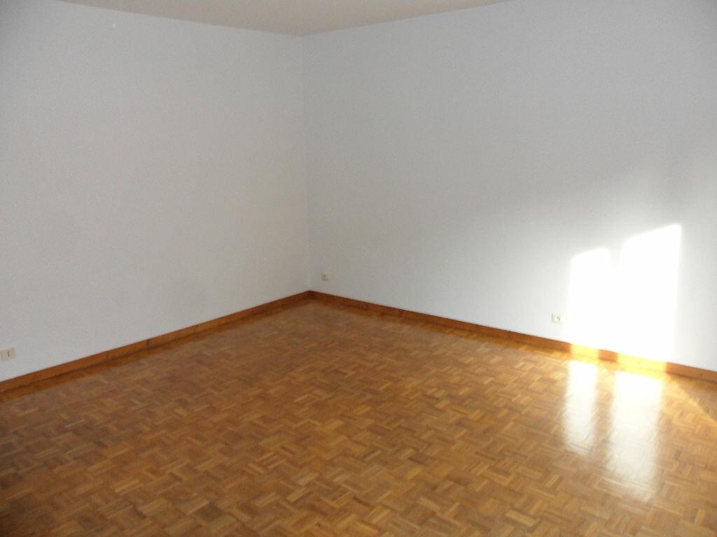 Appartement à louer 2 44.33m2 à Crécy-la-Chapelle vignette-2