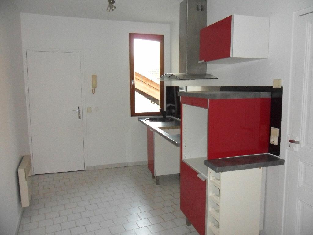 Appartement à louer 2 44.33m2 à Crécy-la-Chapelle vignette-3