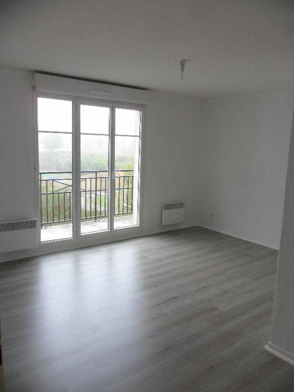 Appartement à louer 2 39.25m2 à Magny-le-Hongre vignette-2