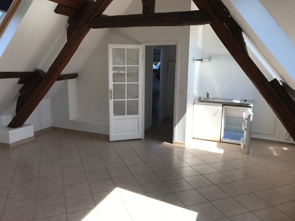 Appartement à louer 1 26.8m2 à Faremoutiers vignette-1