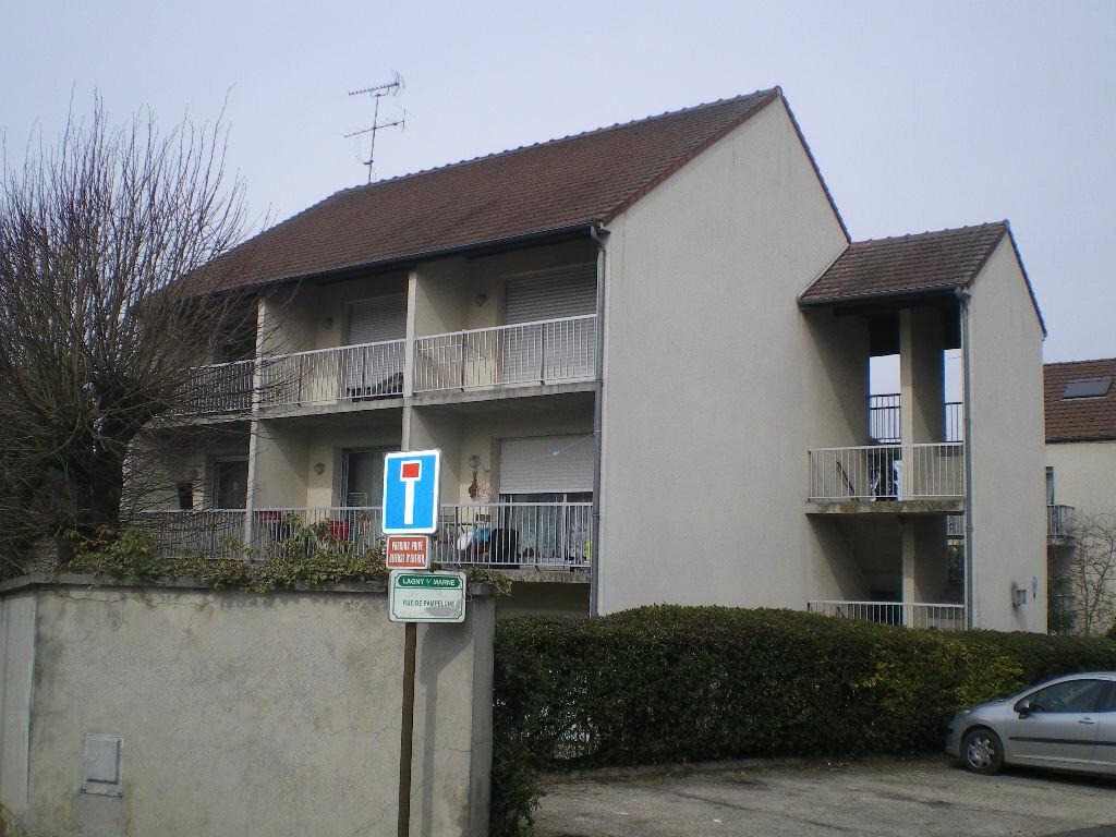Appartement à louer 1 26.15m2 à Lagny-sur-Marne vignette-1