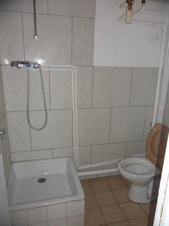 Appartement à louer 1 21.6m2 à Mouroux vignette-3