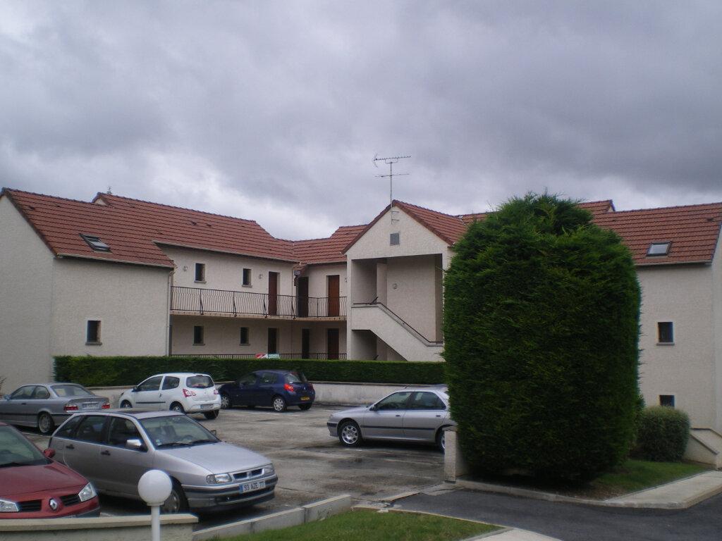Appartement à louer 1 30.39m2 à Crécy-la-Chapelle vignette-1