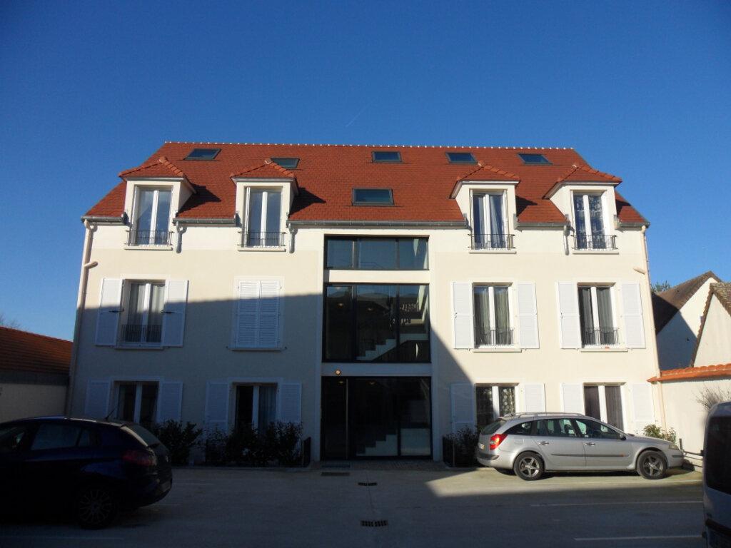 Appartement à louer 3 46.65m2 à Fontenay-Trésigny vignette-1