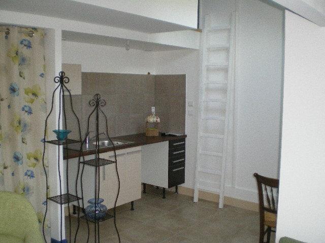 Appartement à louer 1 29m2 à La Ferté-sous-Jouarre vignette-2