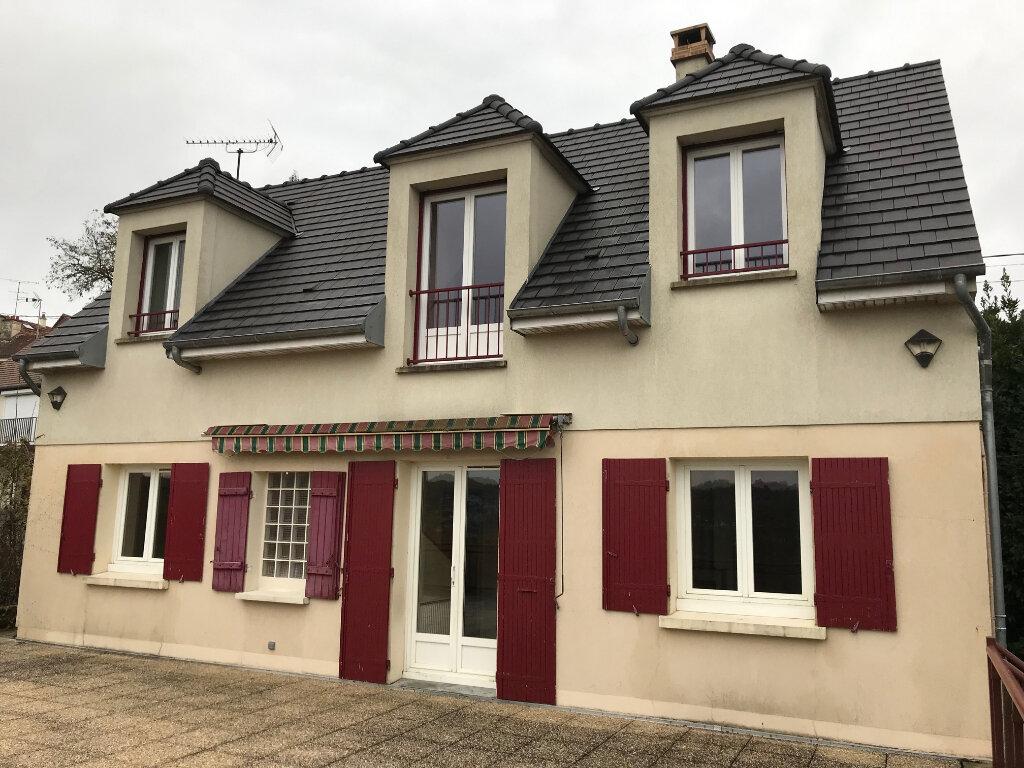 Maison à louer 6 105.95m2 à Crécy-la-Chapelle vignette-1