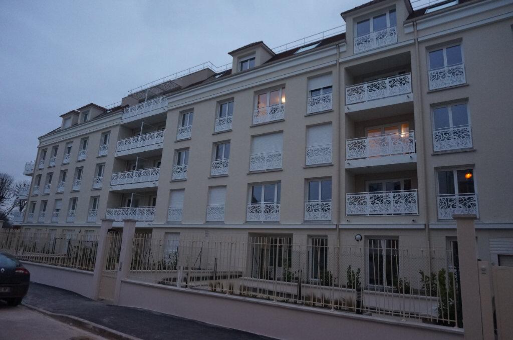 Appartement à louer 3 54.15m2 à Esbly vignette-1