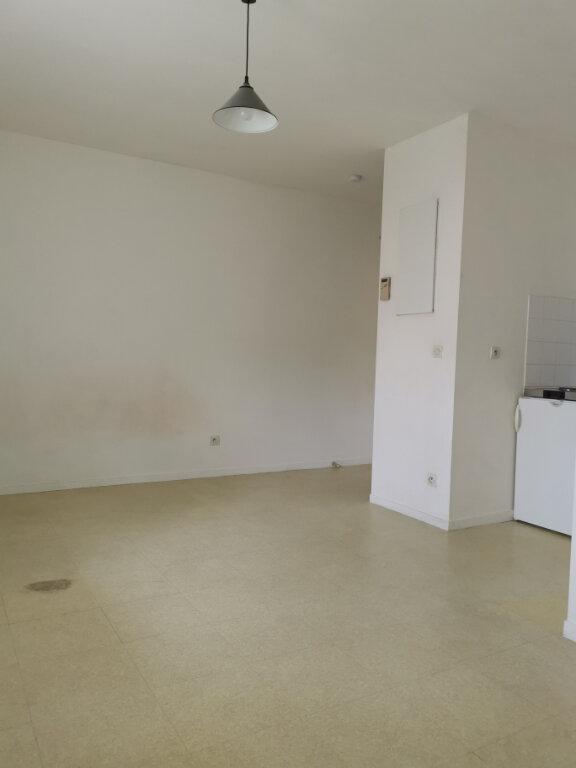 Appartement à louer 1 19.89m2 à Chalifert vignette-2