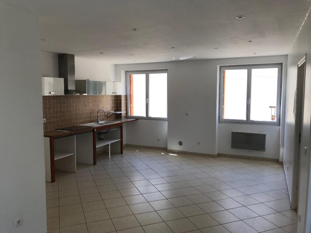 Appartement à louer 3 55.62m2 à Coulommiers vignette-1