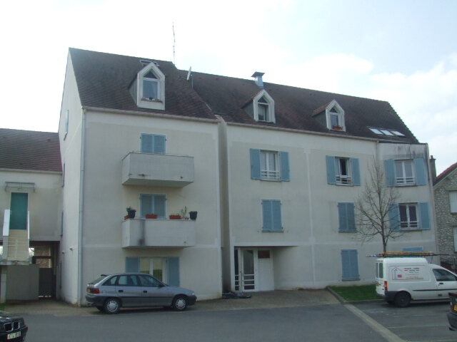 Appartement à louer 2 31.8m2 à Crécy-la-Chapelle vignette-1
