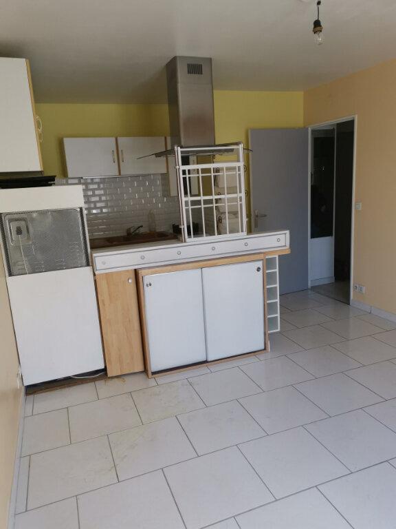 Appartement à louer 2 31.8m2 à Crécy-la-Chapelle vignette-4