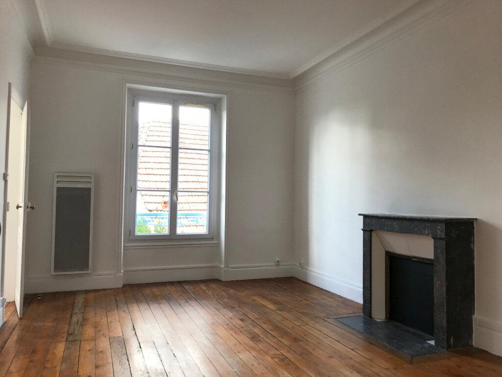 Appartement à louer 3 61m2 à Couilly-Pont-aux-Dames vignette-1