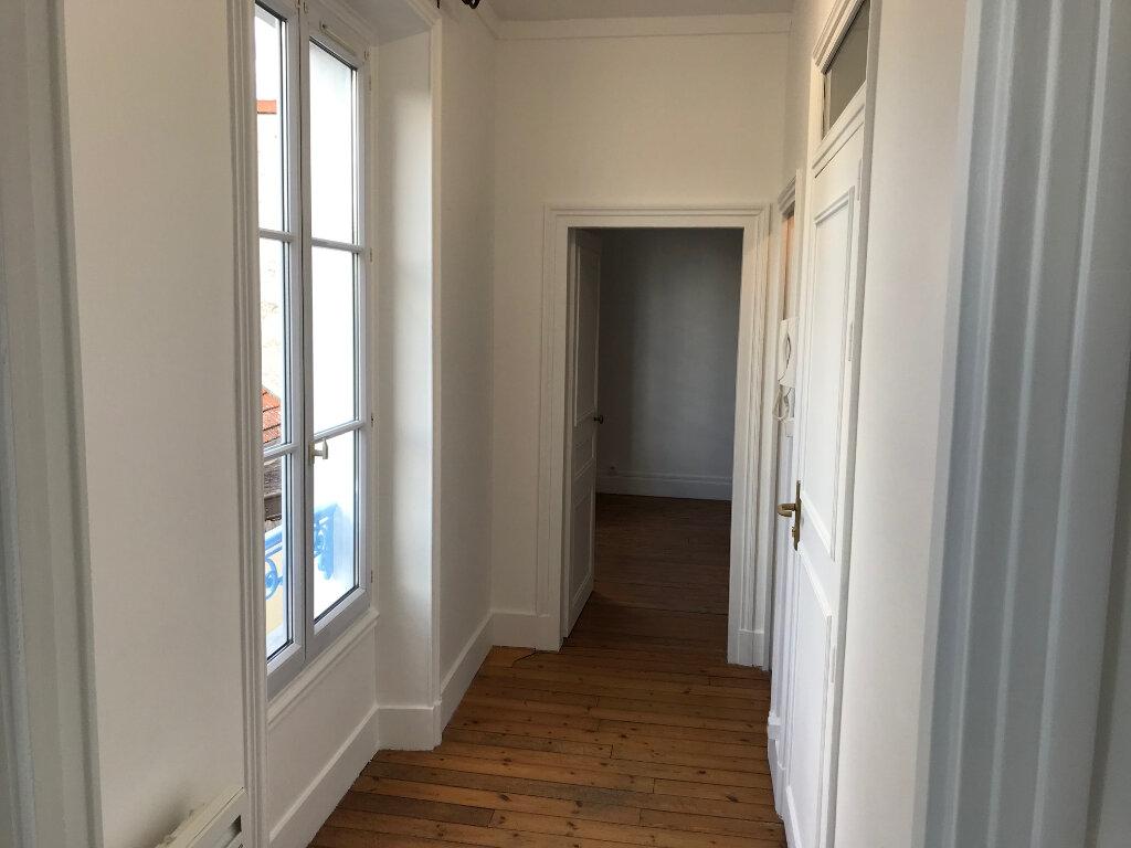 Appartement à louer 3 61m2 à Couilly-Pont-aux-Dames vignette-4