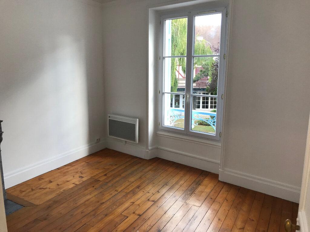 Appartement à louer 3 61m2 à Couilly-Pont-aux-Dames vignette-5