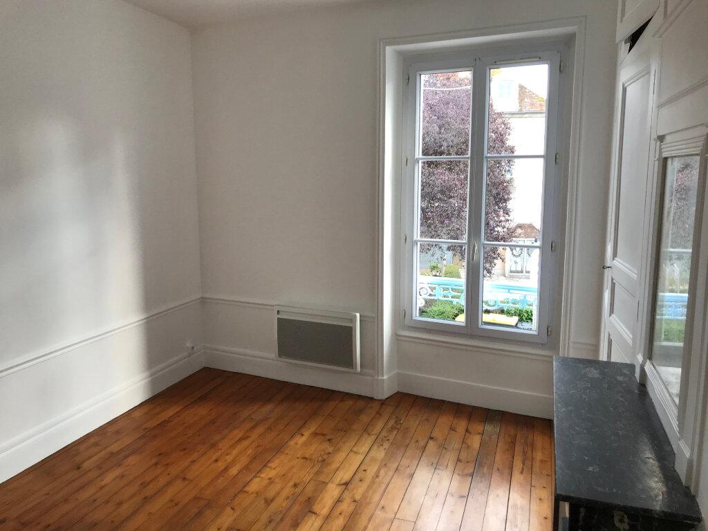 Appartement à louer 3 61m2 à Couilly-Pont-aux-Dames vignette-6