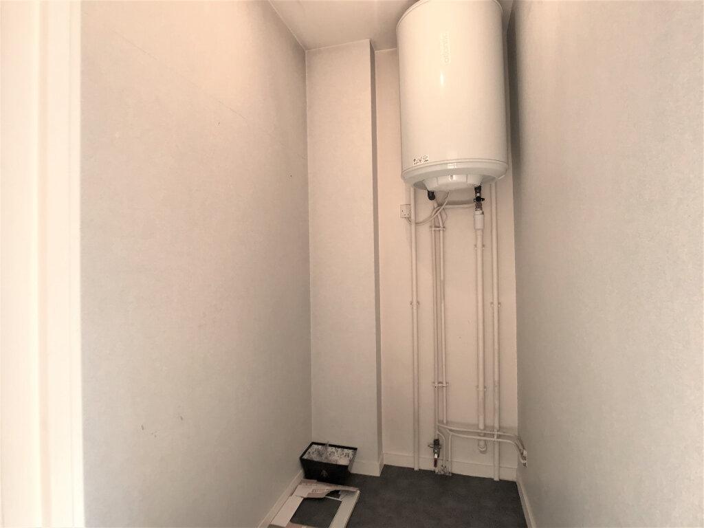 Appartement à louer 1 28m2 à Joué-lès-Tours vignette-4