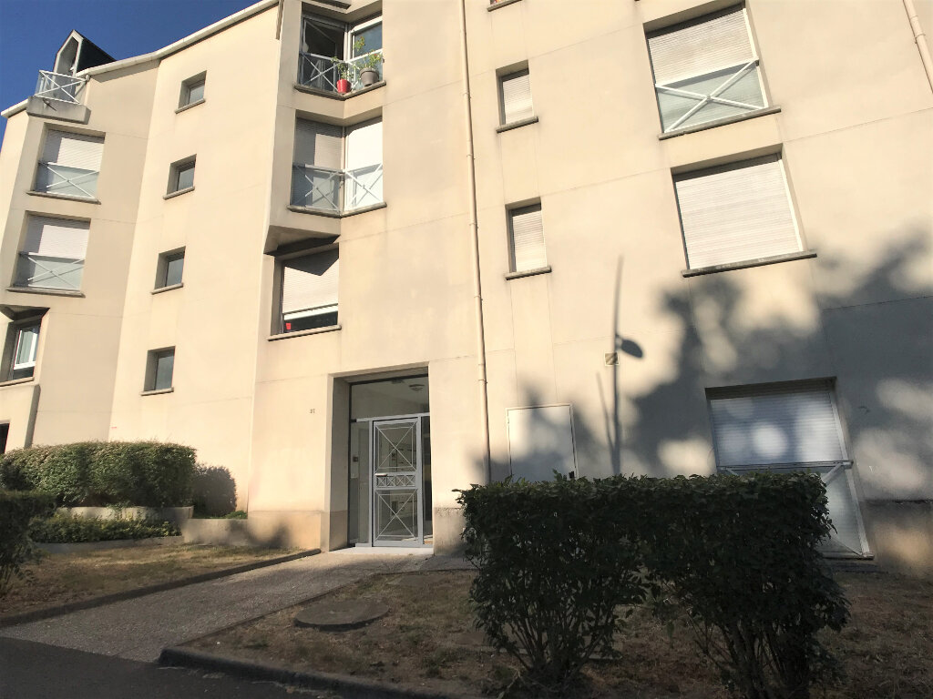 Appartement à louer 1 28m2 à Joué-lès-Tours vignette-5