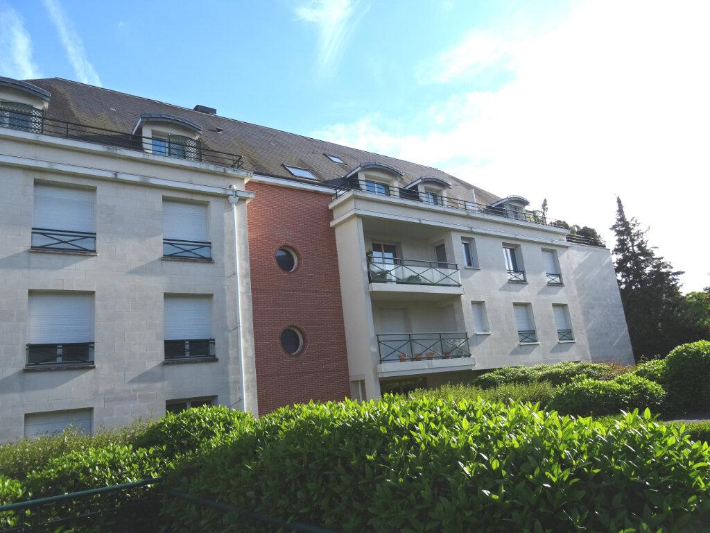 Appartement à louer 2 54m2 à Saint-Cyr-sur-Loire vignette-6