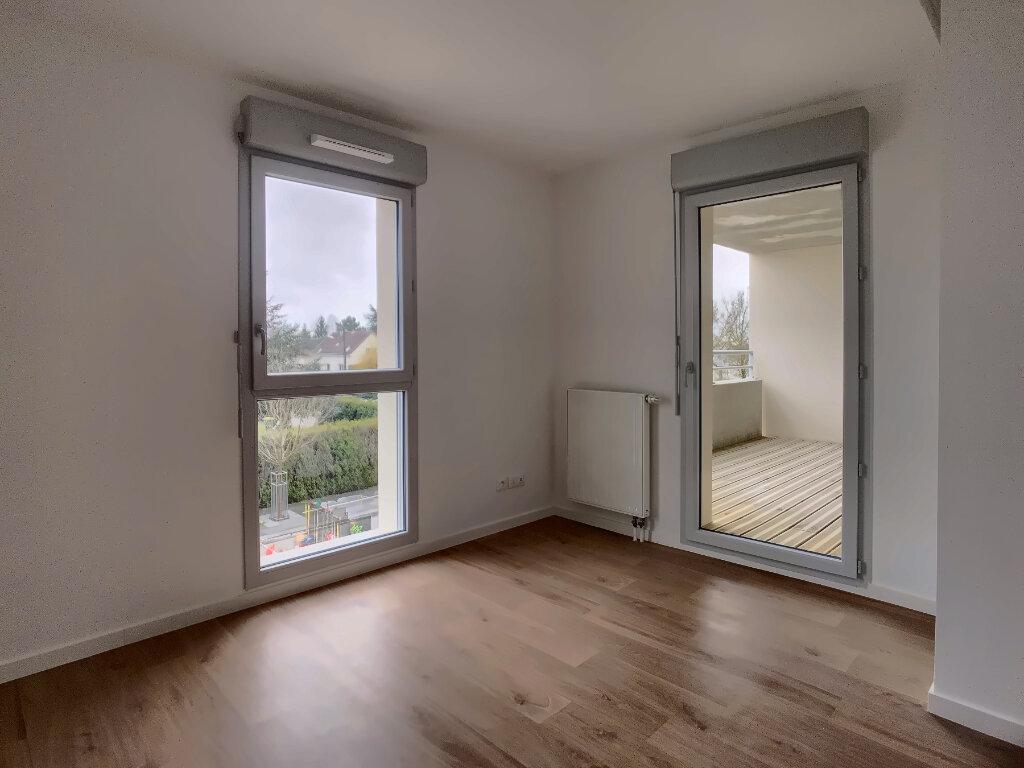 Appartement à louer 3 60m2 à Fondettes vignette-3