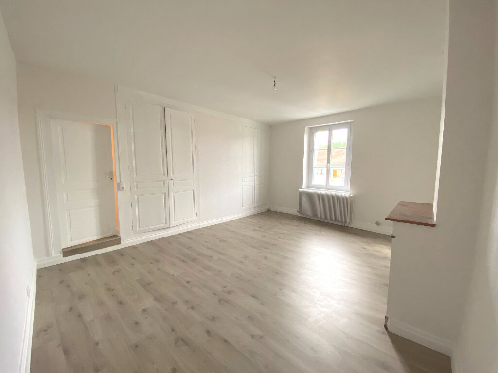 Maison à louer 3 108m2 à La Ville-aux-Dames vignette-4